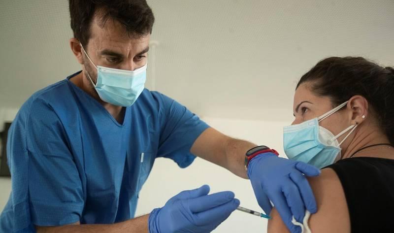 España podría tener las primeras vacunas de Oxford en 15 días