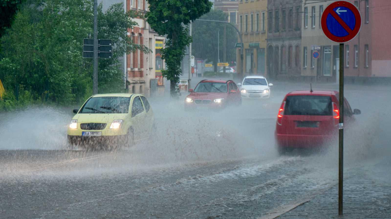 Precipitaciones localmente fuertes o persistentes en el entorno de Galicia, Cantábrico oriental, norte de Navarra y Pirineo occidental