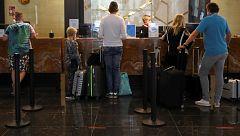 Los hoteles canarios echan el cierre ante la falta de turistas extranjeros