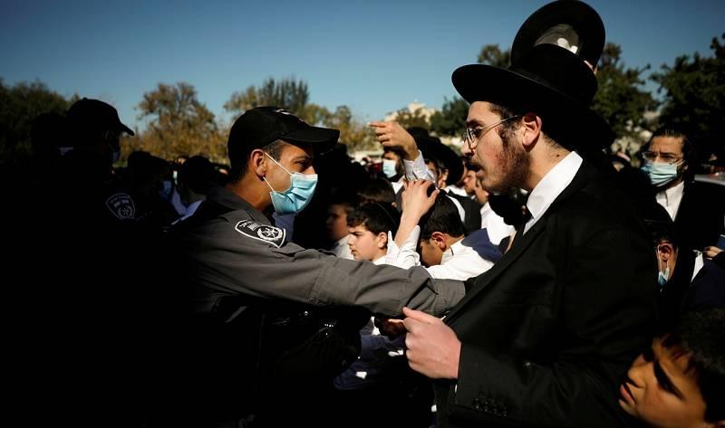 Protestas ultraortodoxas contras las restricciones impuestas en Israel