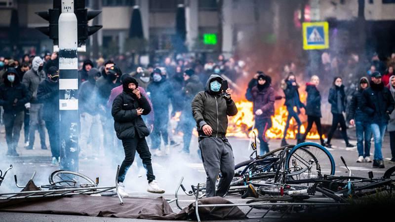 En Holanda los violentos manifestantes han provocado los disturbios más graves de los últimos 40 años