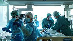 """Ricard Ferrer, presidente de la Sociedad Española de Medicina Intensiva: """"Es el momento de coordinación entre hospitales para que no se llegue al colapso"""""""