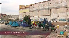La Metro - Els supervivents de la nau, Viure sense llar i Desnonament ajornat