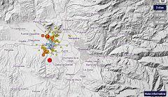 Los vecinos salen a la calle en Granada por miedo a los terremotos
