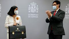 """Darias recibe la cartera de Sanidad centrada en combatir el coronavirus como """"guerra sin tregua"""""""
