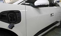 ¿Cuánto cuesta 'llenar el depósito' de un coche eléctrico?