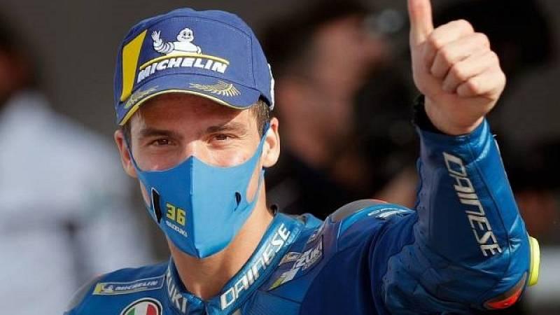 Joan Mir espera el regreso de MotoGP esquiando
