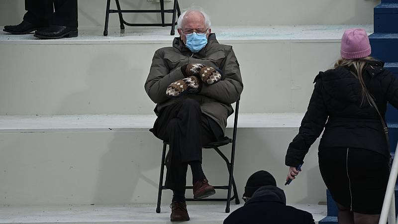 Bernie Sanders recauda casi dos millones de dólares para caridad gracias a su look durante la investidura de Biden