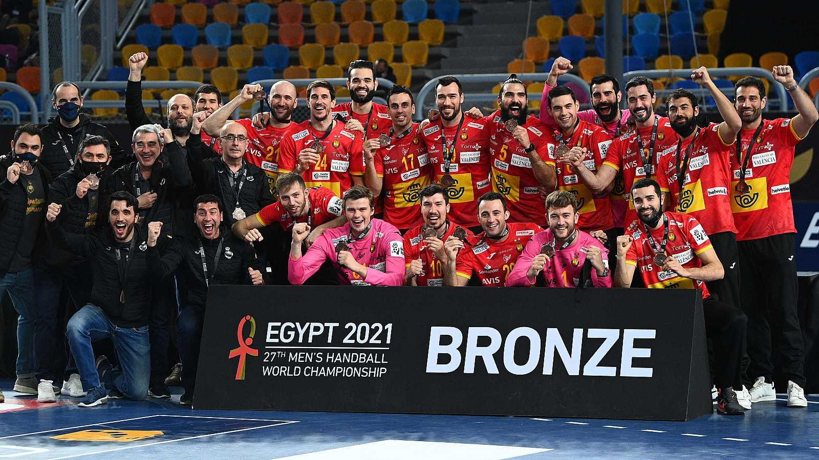 Los Hispanos reciben la medalla de bronce