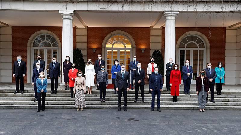 El Consejo de Ministros actualiza su foto de familia tras los cambios de Darias e Iceta