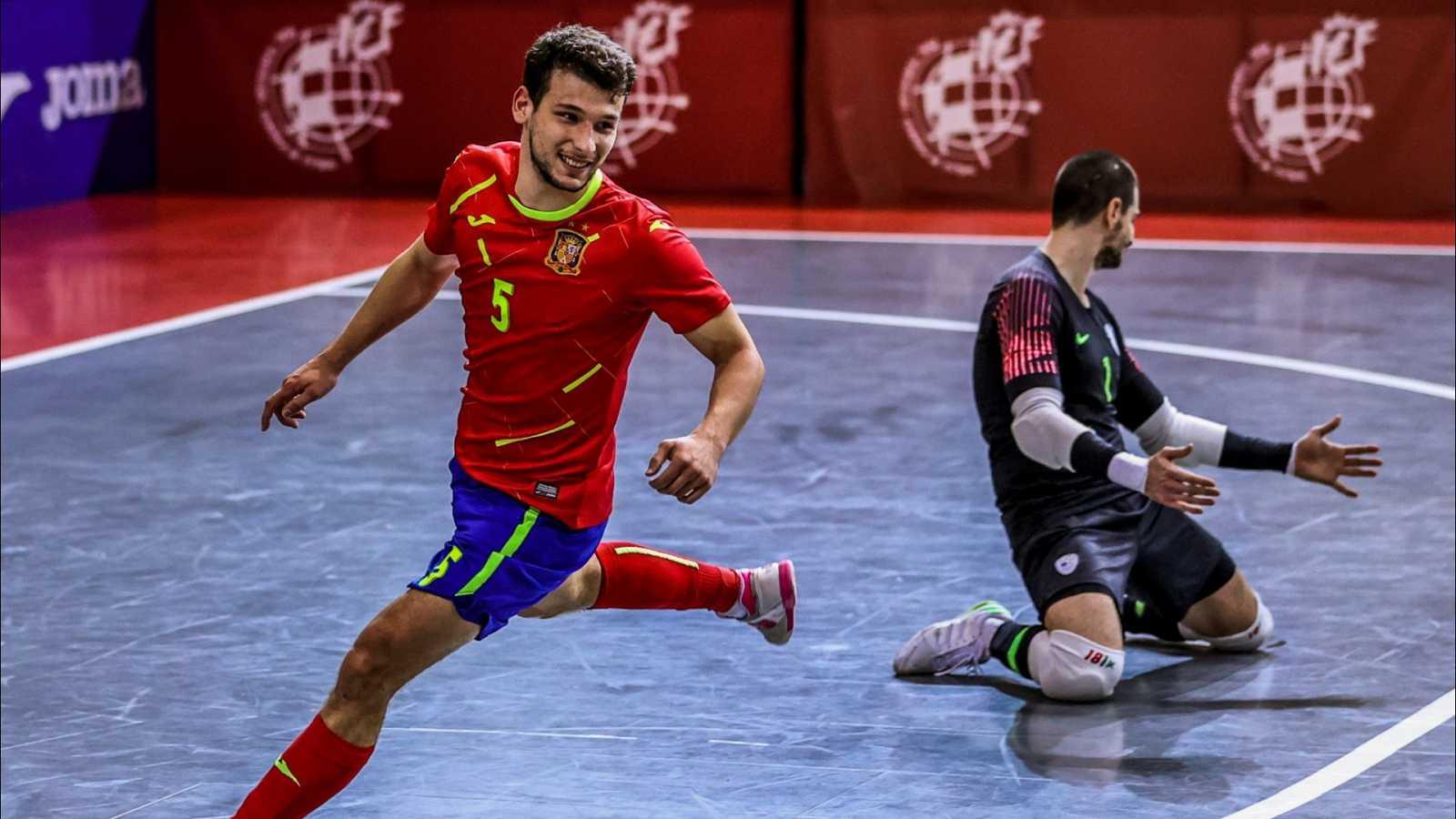 Desde Las Rozas (Madrid), Clasificación Campeonato de Europa 2022. 3ª jornada: España - Eslovenia.