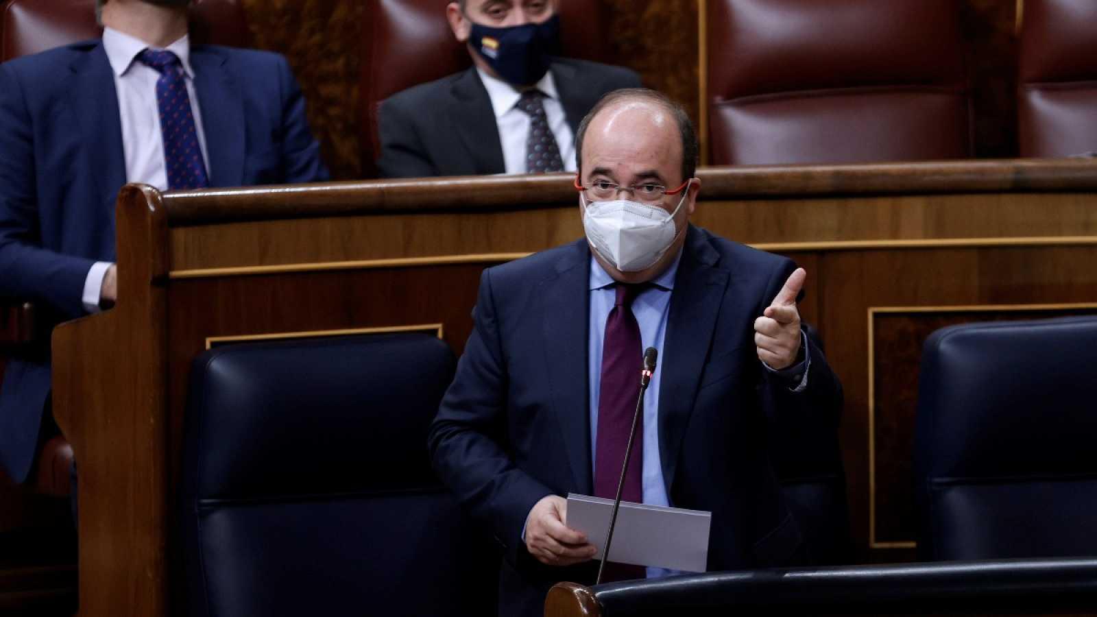 "Arrimadas tacha de ""mesa de chantaje"" a la mesa sobre Cataluña e Iceta le responde que los problemas se resuelven con ""diálogo"""