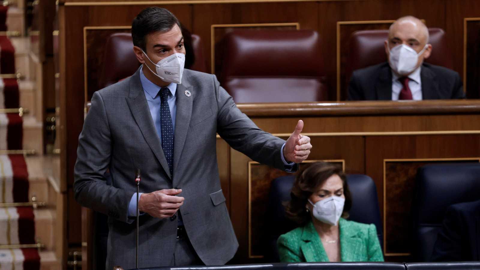 """Los fondos europeos enfrentan a Casado y Sánchez, que alaba el """"sentido de Estado"""" de Vox"""
