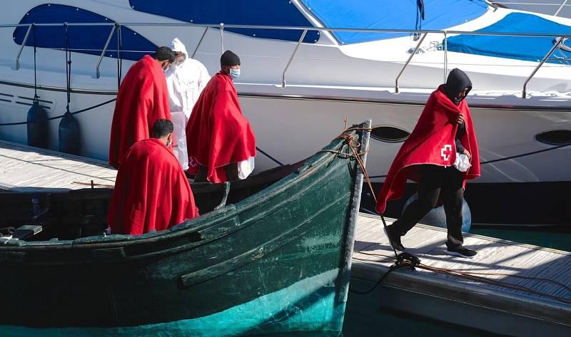 El Gobierno de Canarias desmiente que haya aumentado la criminalidad por la llegada de inmigrantes