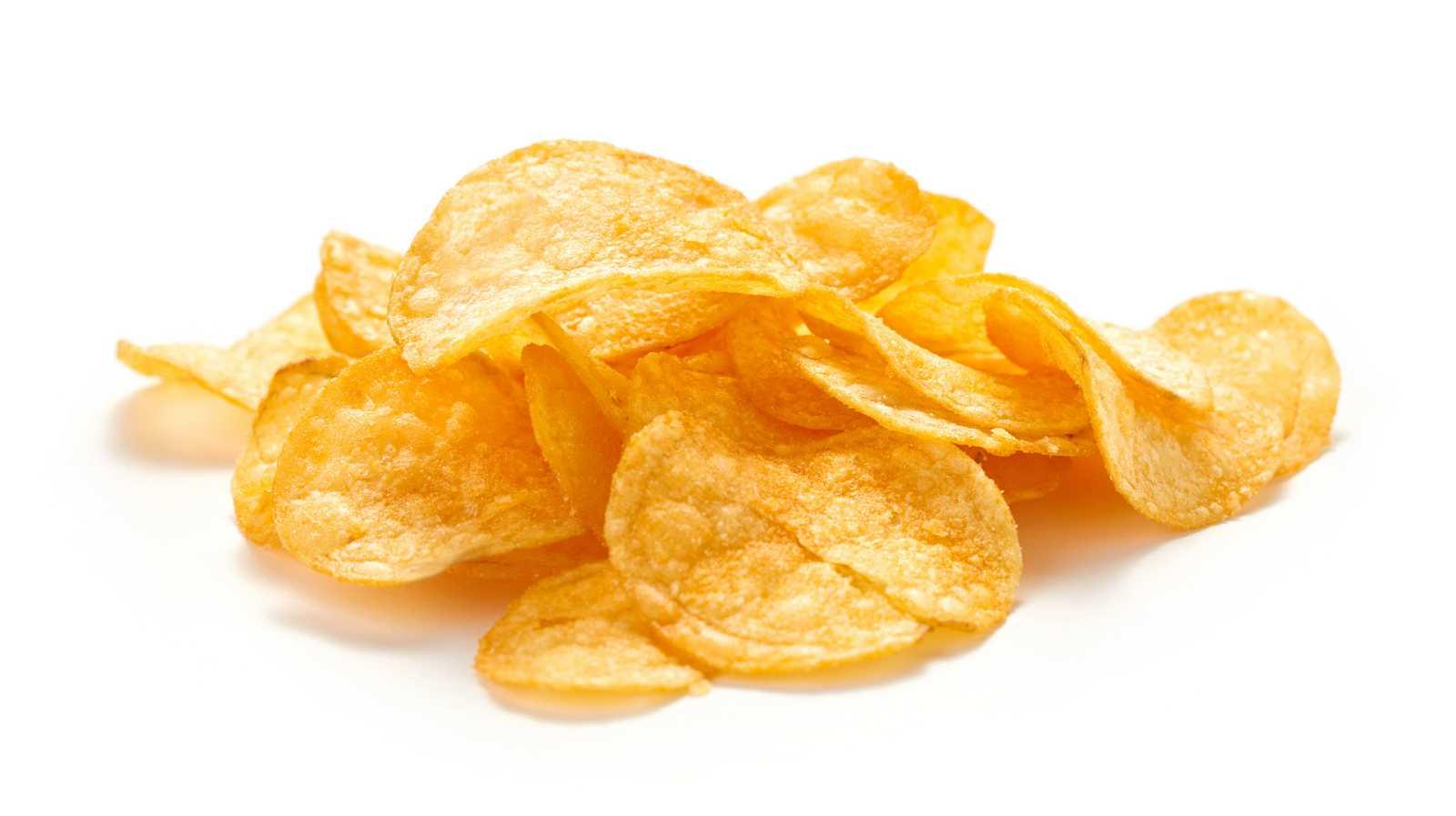 ¿Cómo se hacen las patatas fritas de bolsa?