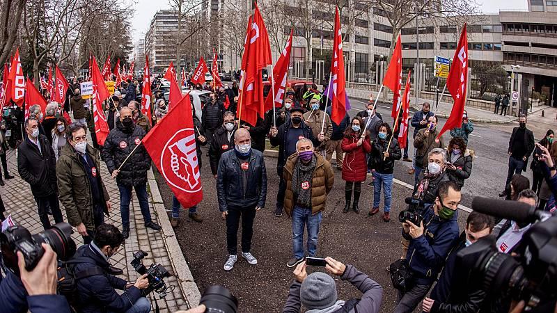 Los sindicatos piden que se suba el salario mínimo y la derogación de la reforma laboral