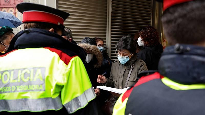 Más de 14.000 policías vigilan la jornada electoral en Cataluña