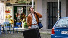 Cuéntame cómo pasó - Jorge llega al barrio y se cruza con María