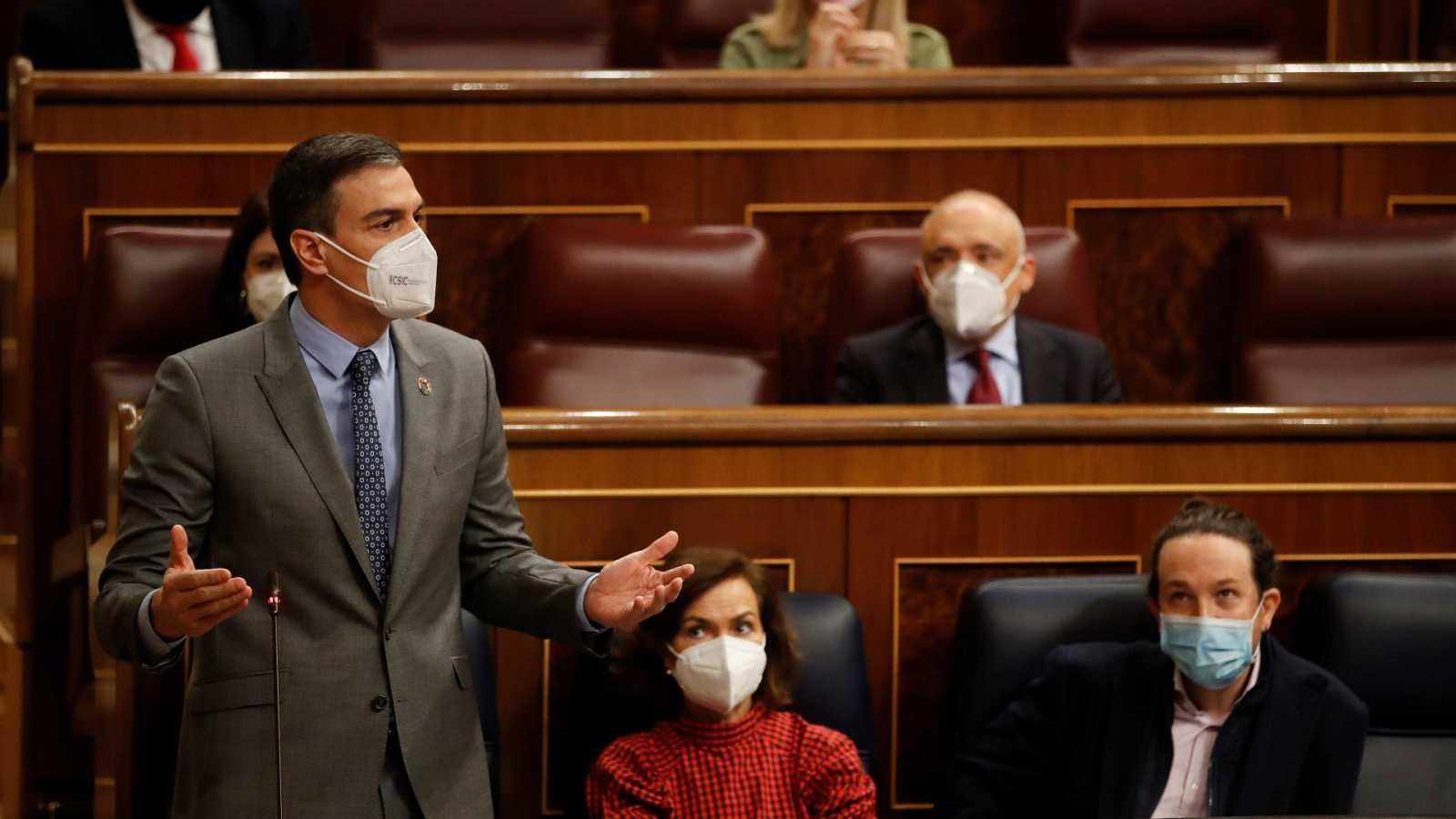 Sánchez pide a PP y Cs que rompan sus pactos de gobierno con la ultraderecha