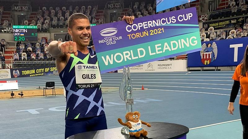 Elliot Giles logra la segunda mejor marca de todos los tiempos en 800m