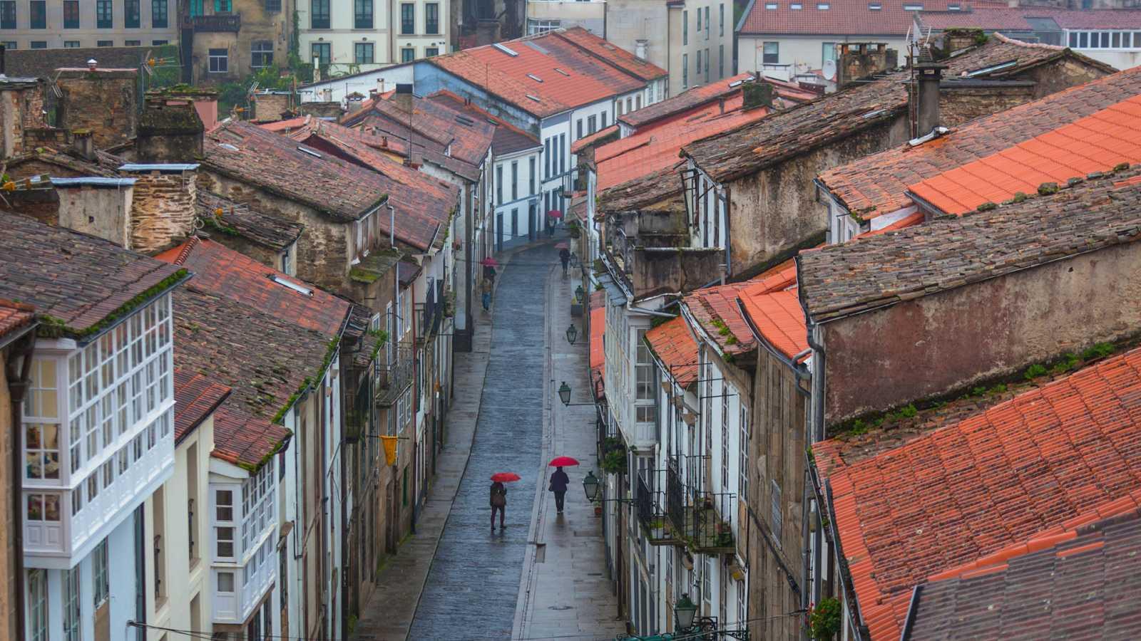 Lluvia fuerte en Galicia y bajada térmica en la mitad oeste peninsular - Ver ahora