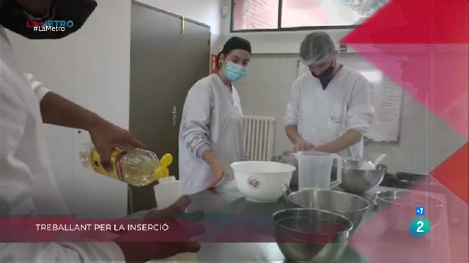 Històries de presó, Treballant per la inserció i Joves repartidors a La Metro