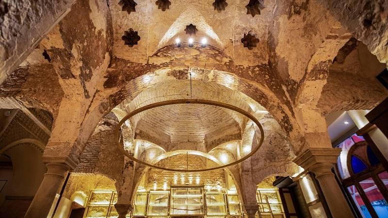 Las obras de un bar en Sevilla sacan a la luz el primer hamman cubierto de pinturas de la península ibérica