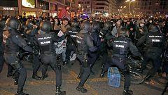 Disturbios en Barcelona y Valencia en la tercera jornada de protestas en apoyo de Hasel