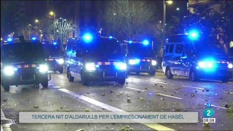 Tercera nit d'aldarulls a Barcelona amb almenys 8 detinguts