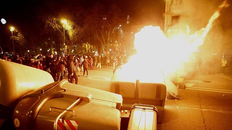 Altercados durante el cuarto día de protestas en Cataluña para pedir la libertad de Hasel