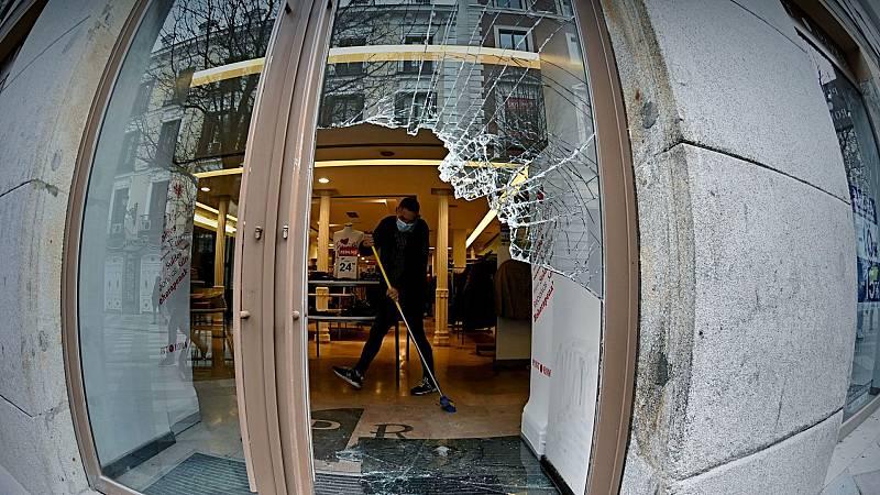 Decenas de comercios de Barcelona sufren destrozos durante las protestas por Hasel