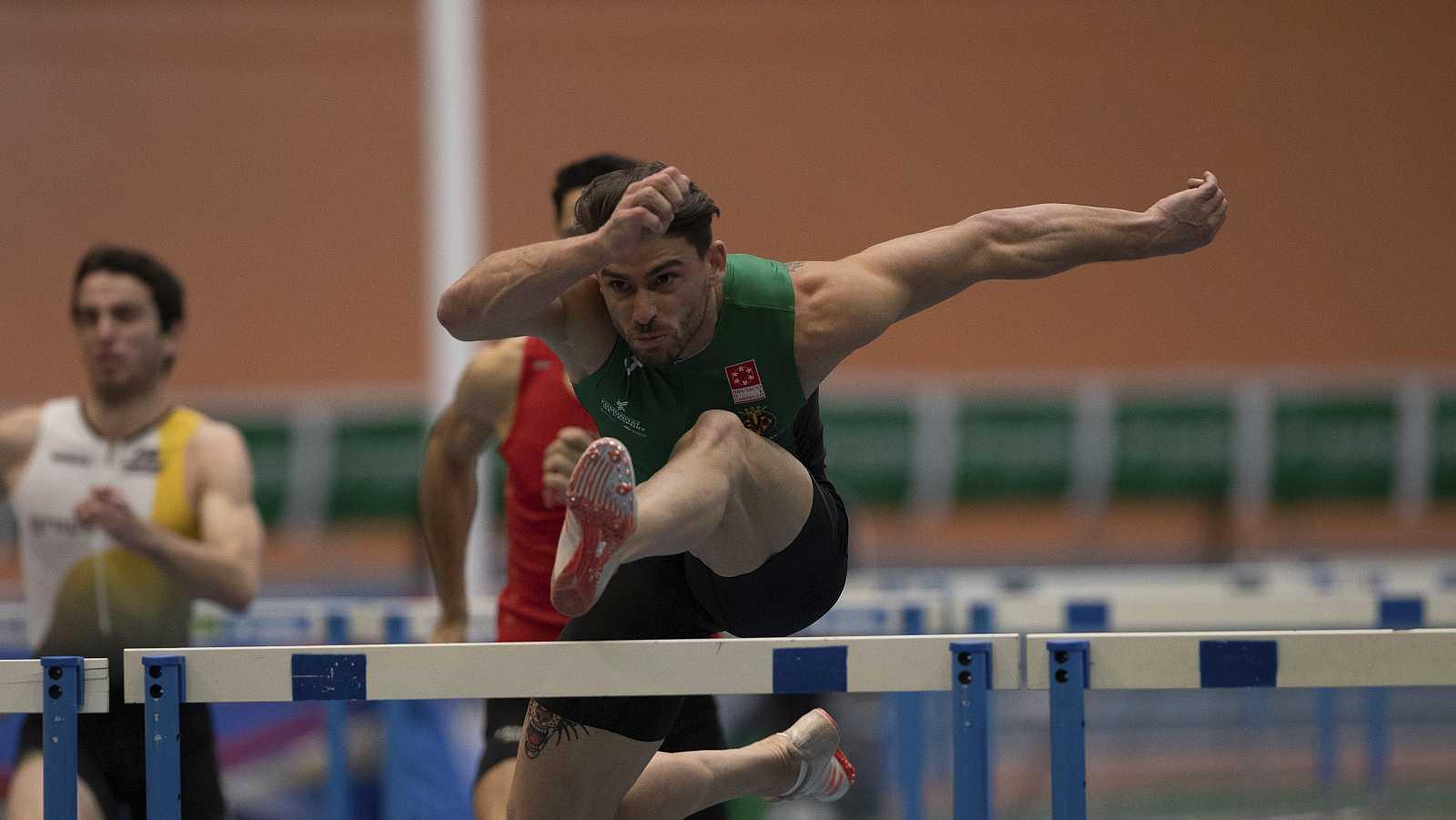 Vicente Docavo, del triple a las vallas
