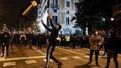 Al menos ocho detenidos en la sexta noche de disturbios en Barcelona por Pablo Hasel