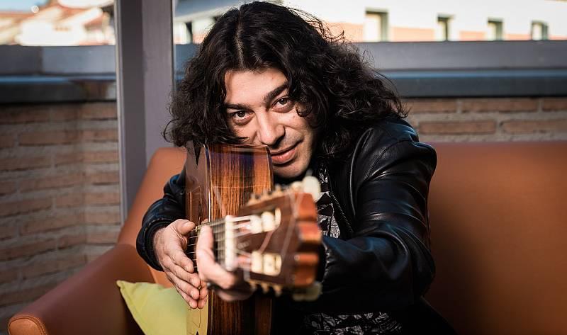 Aquí la Tierra - ¡El cantante Javi Cantero es Terrícola de Honor!