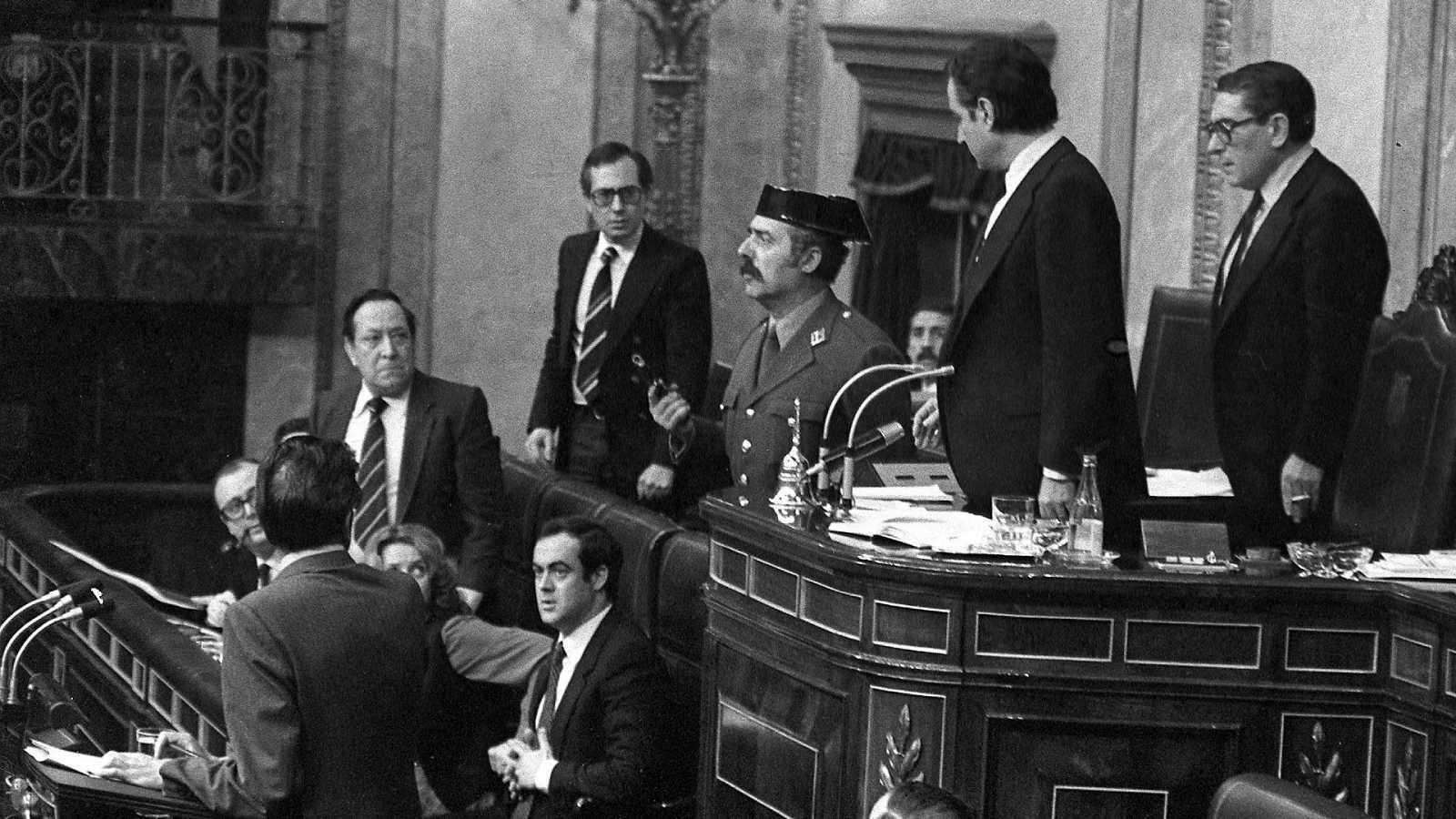 La España del 23F: de la recién estrenada democracia a la crisis económica y el terrorismo de ETA