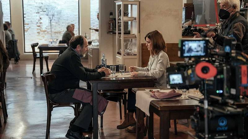 La directora Avelina Prat rueda en Valencia 'Vasil', protagonizada por Karra Elejalde y Alexandra Jiménez