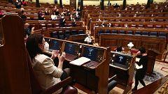 El Congreso recuerda los nombres de las 1.081 mujeres asesinadas por violencia machista en respuesta al intento de Vox de revocar la ley