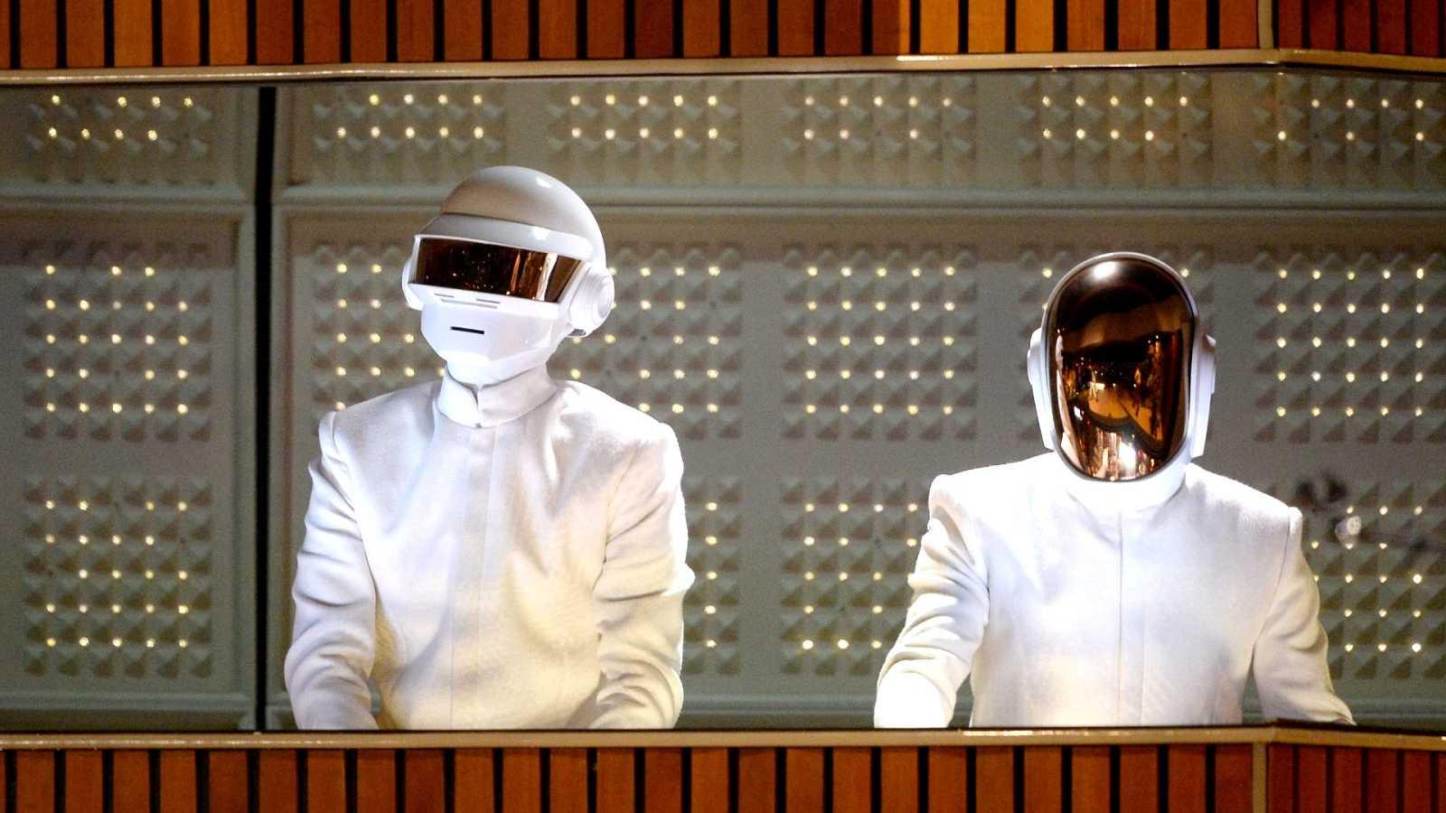"""Daft Punk se separa """"dinamitando"""" sus álter egos tras 28 años de carrera"""