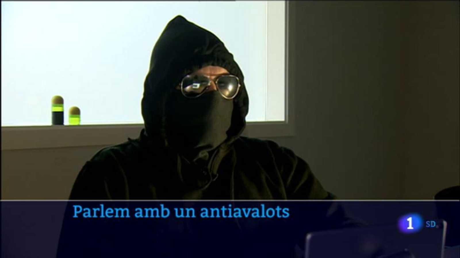 RTVE entrevista un agent operatiu dels Mossos d'Esquadra que ha estat en la primera línia dels aldarulls