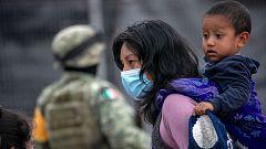 EE.UU. acepta a solicitantes de asilo con niños pequeños