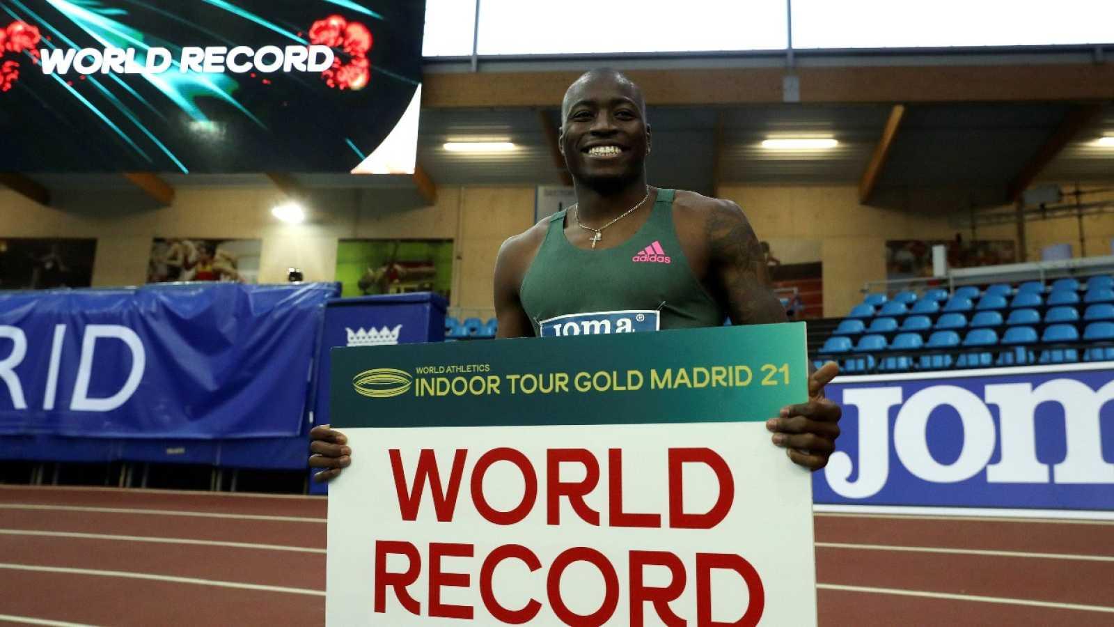 Holloway bate el récord mundial de 60 m vallas con 7.29 en Madrid
