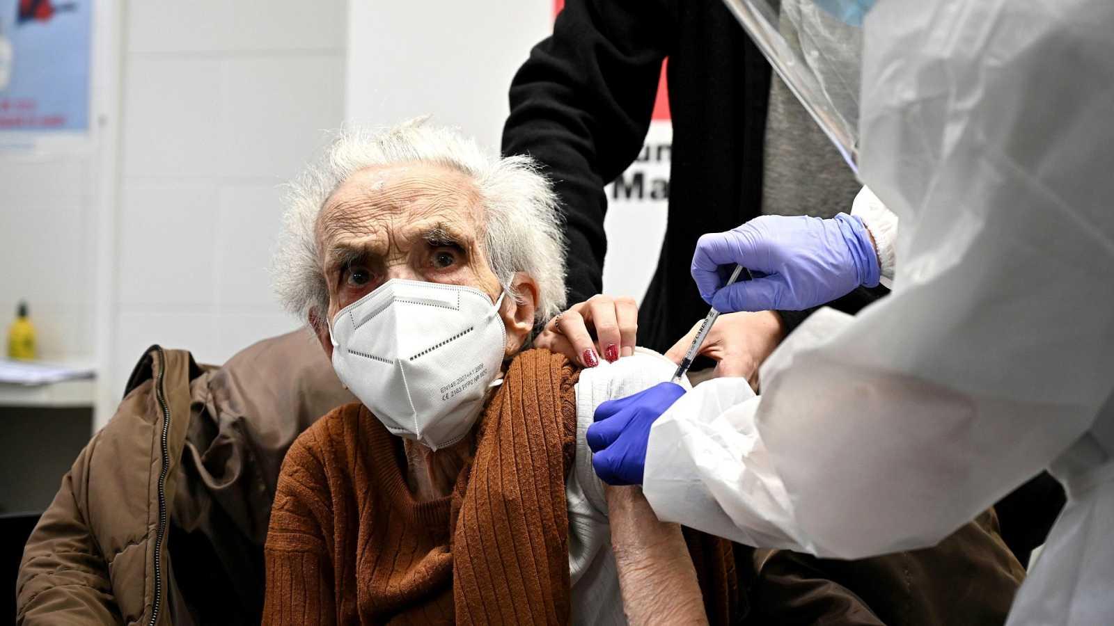 Silvia Calzón defiende que proteger a los mayores de 80 años era prioritario