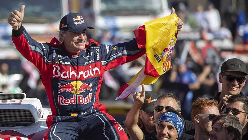 Carlos Sainz, el piloto más veterano en ganar un Dakar