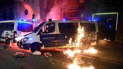 Nueva noche de disturbios en Barcelona en protestas por Hasel
