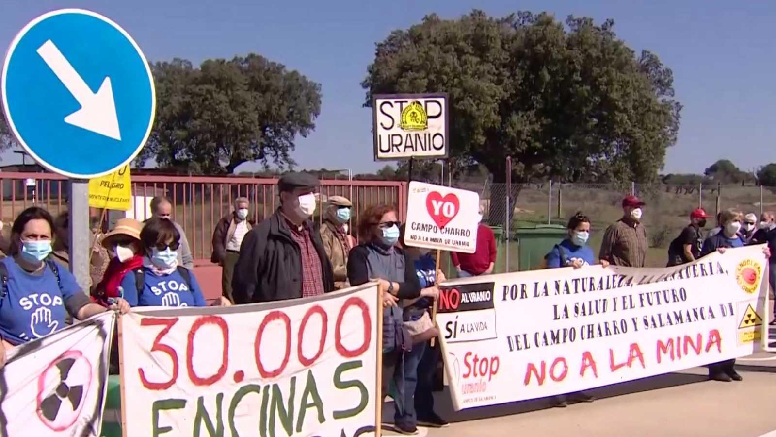 Stop Uranio se concentra contra la futura planta de tratamiento de uranio y depósito de residuos radiactivos de Retortillo