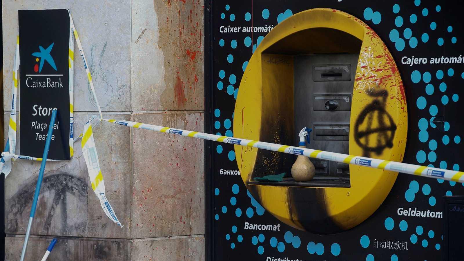 Govern y Ayuntamiento analizan la violencia callejera en Barcelona mientras los empresarios claman contra los desórdenes