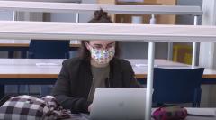 En Lengua de Signos - Una estudiante con implante coclear durante la pandemia