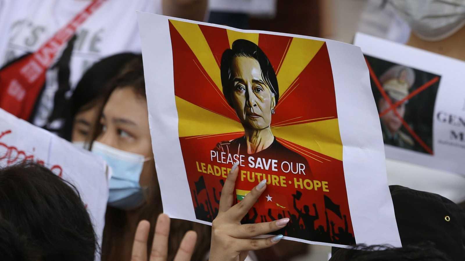 Un tribunal birmano presenta nuevos cargos contra Suu Kyi