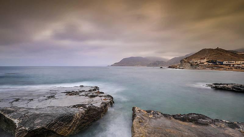 Intervalos de viento fuerte en el Estrecho, litoral de Andalucía oriental y Melilla - Ver ahora
