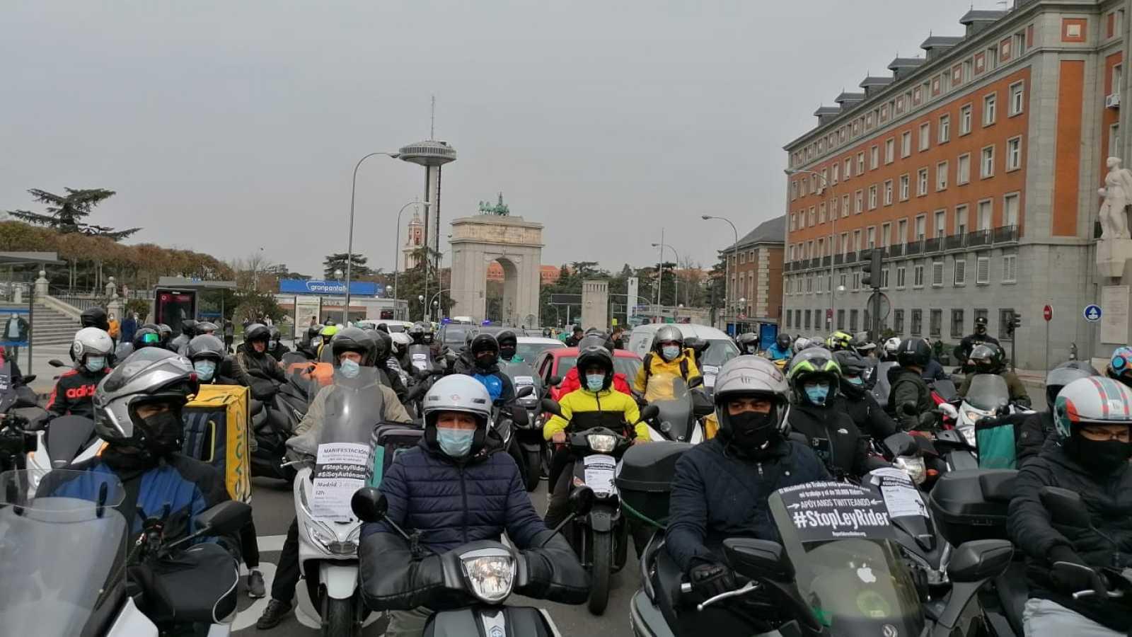 """Los 'riders' piden """"una regulación ambiciosa no una chapuza de media página"""""""